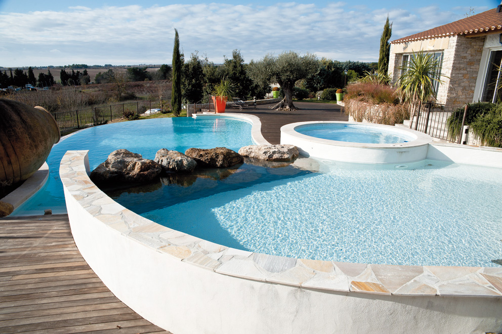 cv architecture - r u00e9alisation piscine et spa - piscine  u00e0 d u00e9bordement